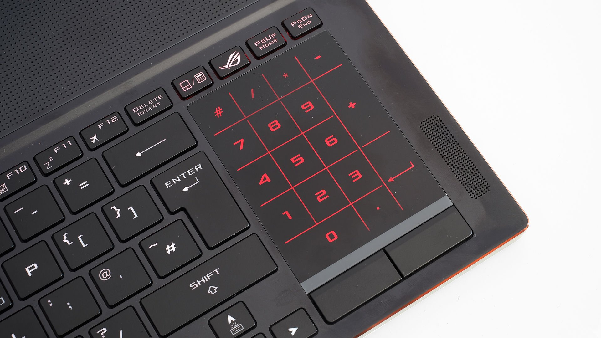 Asus ROG Zephyrus GX501 trackpad