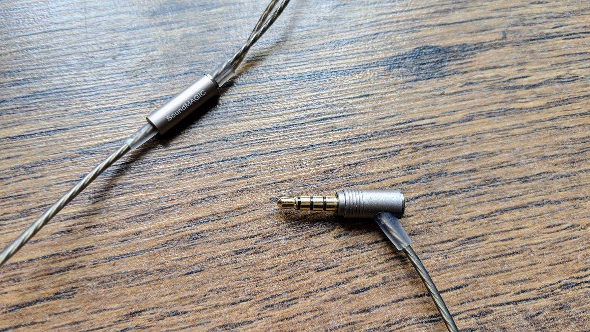 SoundMagic E11C jack